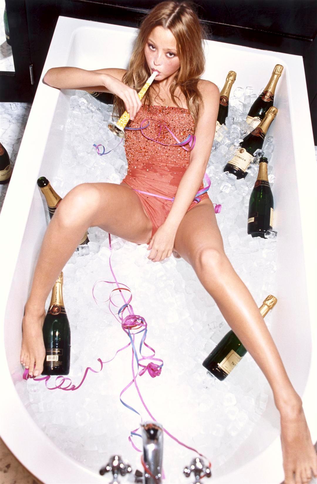 Champagne Lady Escort