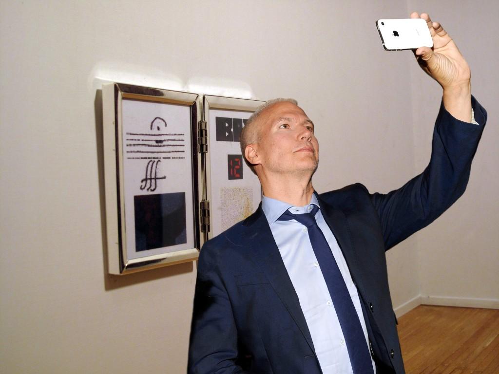 Klaus Biesenbach #selfie. Courtesy of Water McBeer.
