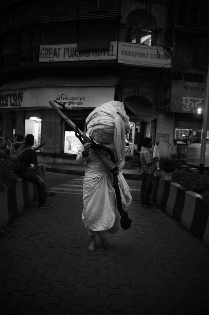 Bhramana II, 2012 Documentation of performance, Photography: Niyati Upadhya Courtesy: The artist and Chatterjee & Lal