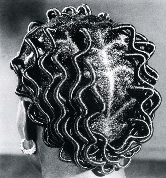 "J.D. 'Okhai Ojeikere, ""Back Parting,"" 1968. Courtesy of the artist and Magnin-A, Paris."