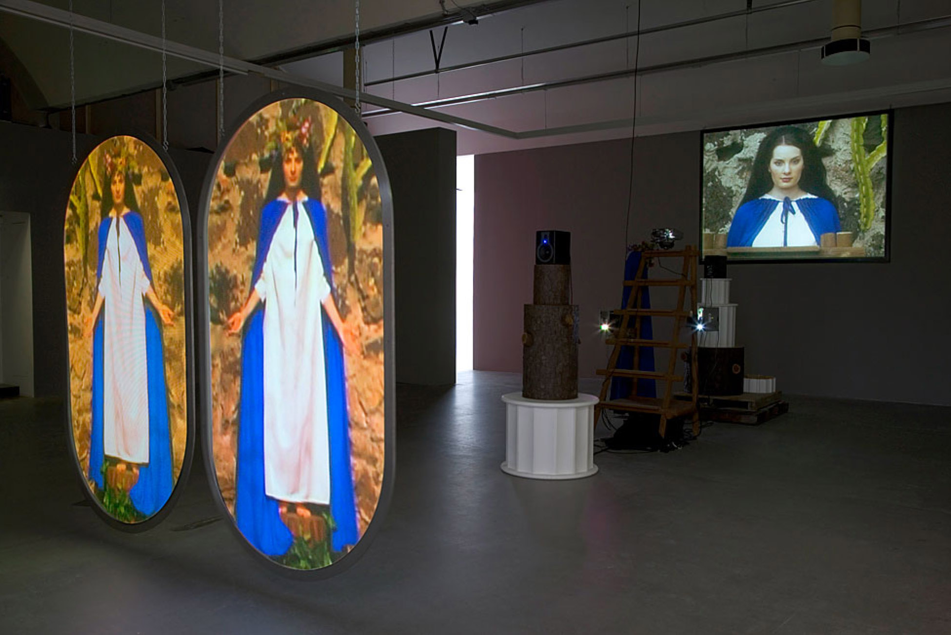 Mike Kelley, Switching Marys, 2004-2005, mixed media with video projections, 190.5 x 261.6 x 810.3 cm, Stedelijk Museum, Amsterdam, photo: Fredrik Nilsen, courtesy Mike Kelley Foundation for the Arts.