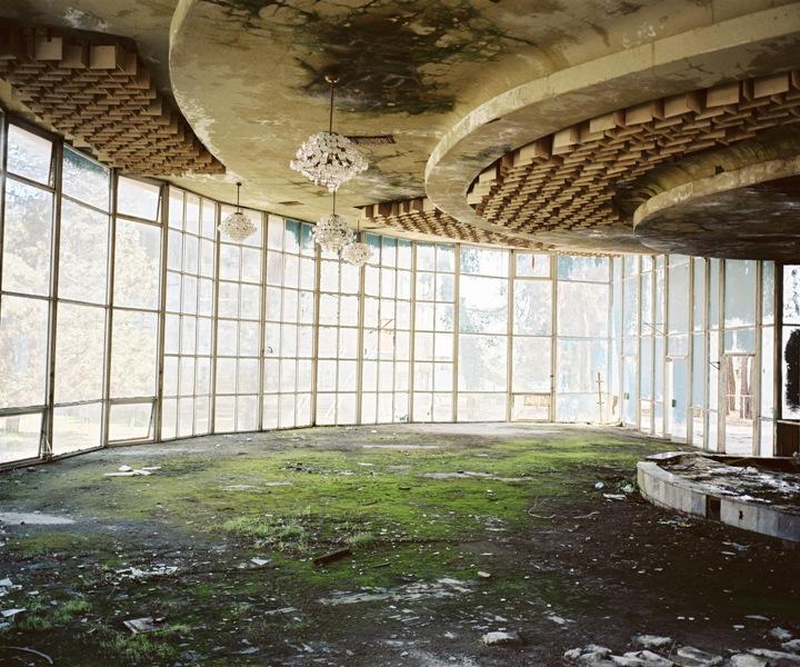 Rob Hornstra, The Ballroom, Pitsunda, Abkhazia, 2010. Courtesy of Aperture Foundation.