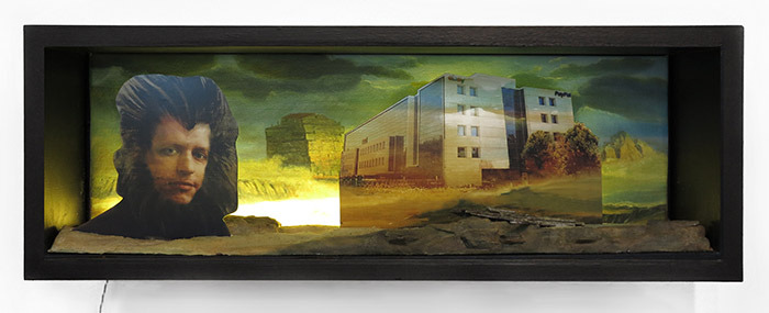 "Jennifer + Kevin McCoy, ""Shore Leave,"" 2014. 30 x 9.5 x 9 in. Courtesy of the artists and Johansson Projects."