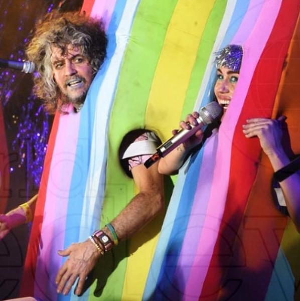 Wayne Coyne and Miley Cyrus during Art Basel, Miami Beach, 2014. Courtesy of the Internet.