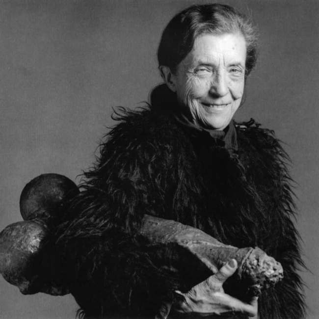 Louise Bourgeois photographed with her Fillette by Robert Mapplethorpe in 1982.