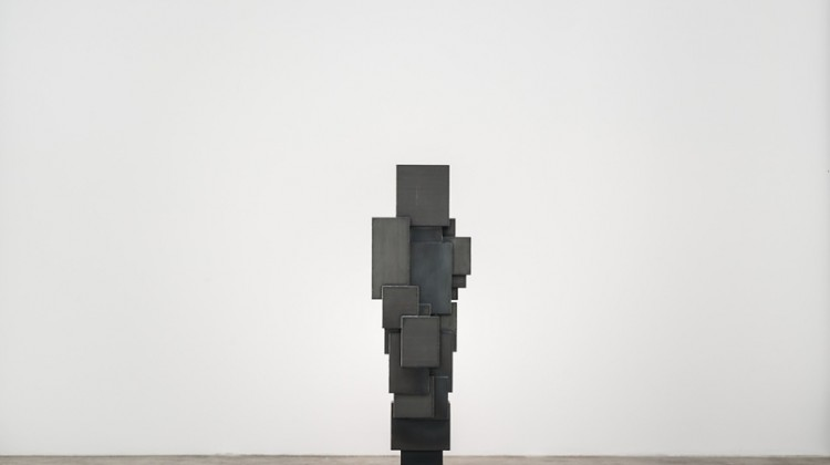 Antony Gormley, EXPANSION FIELD 41/60, 2014. 4 mm Corten steel, 201 x 59.9 x 60.3 centimeters. Courtesy of Galerie Thaddaeus Ropac.