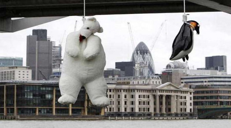 TUVALU:  A public lynching documented by Vincent J. F. Huang in London, the largest city in the UK to criminalize same-sex Arctic love.