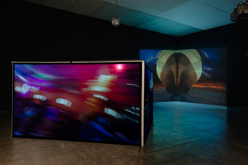 "Sarah Minter. Installation view of ""Ojo en Rotación"" and ""Adrift/The Ship,"" MUAC/UNAM, 2015."