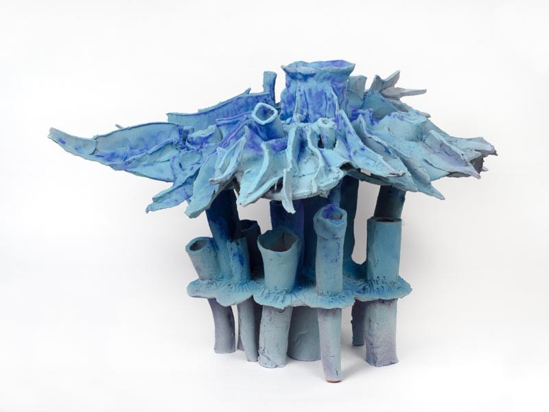 Paul Swenbeck, Porifera VIII, 2015. Glazed earthenware paper clay, 14 × 13.5 × 17 inches. Courtesy of Salon 94.