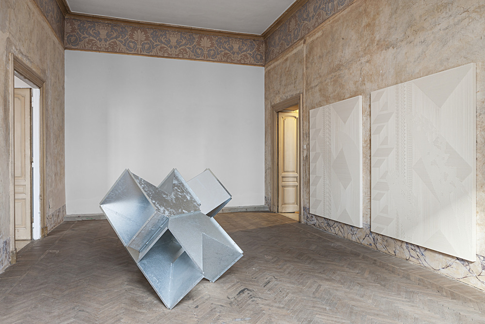 Installation view, Reciprocal Score (Tauba Auerbach and Charlotte Posenenske) at Indipendenza Roma, Rome, 2015. Courtesy of Indipendenza Roma and Standard (Oslo). Photograph by Vegard Kleven.