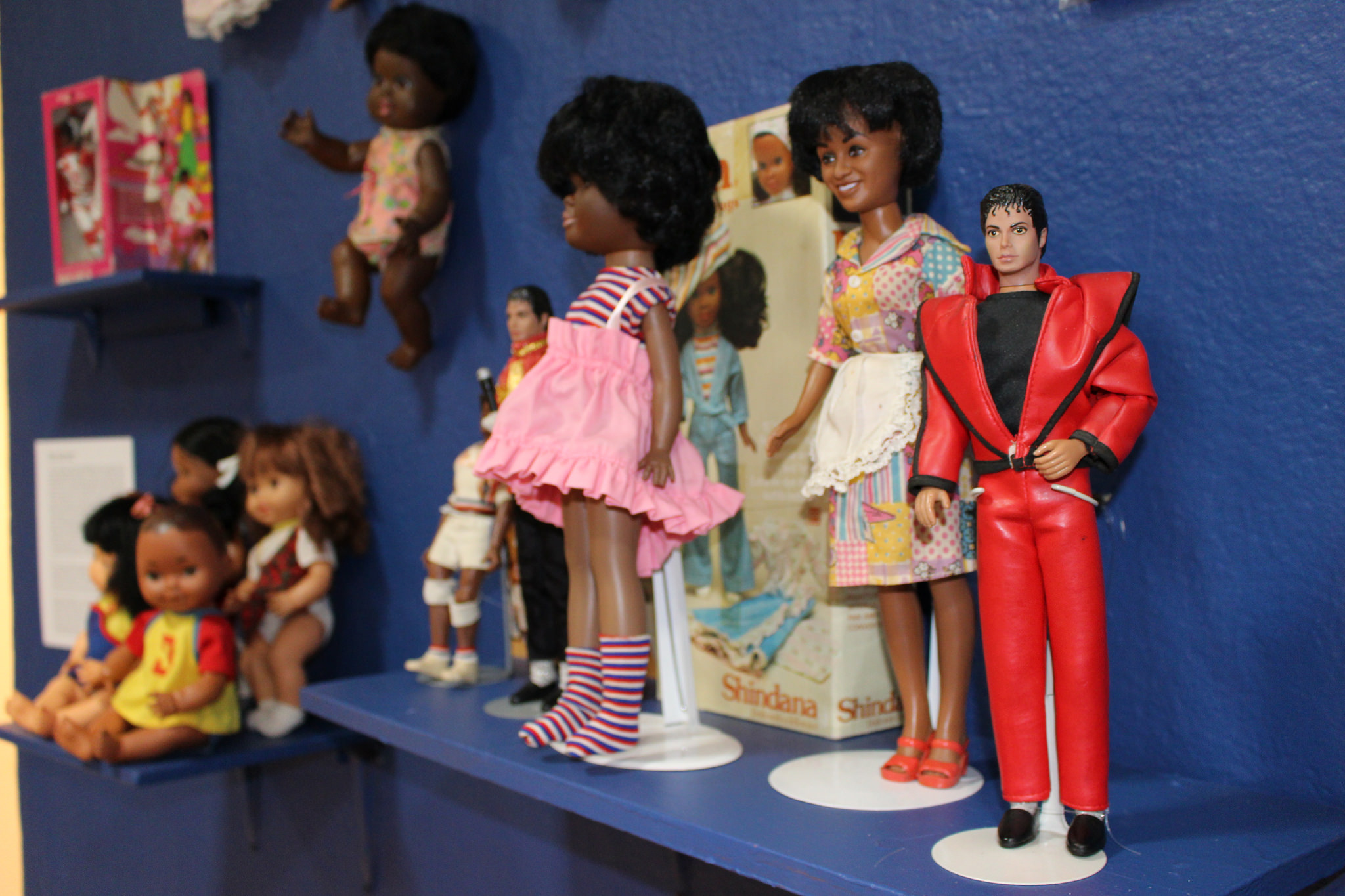 Installation view, The West Adams Collectors Club: Collecting, Archiving and Exhibiting Your Own Cultural History at the William Grant Still Arts Center, Los Angeles, 2015. Courtesy of the William Grant Still Arts Center.