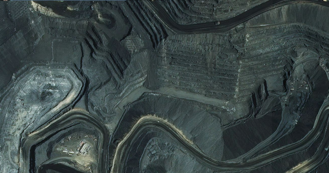Newmont gold mine outside of Elko, NV. Courtesy of Mapbox and Digital Globe.