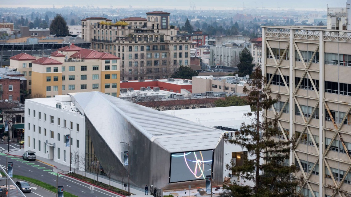 Diller Scofidio + Renfro, UC Berkeley Art Museum and Pacific Film Archive, 2016. Aerial view from the UC Berkeley campus. Photo by Iwan Baan. Courtesy of Diller Scofidio + Renfro; EHDD; and UC Berkeley Art Museum and Pacific Film Archive (BAMPFA).