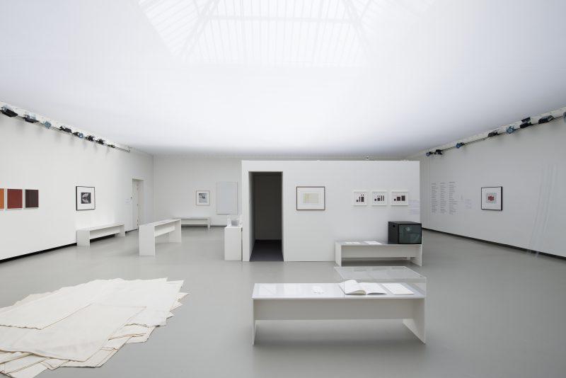 Poésie balistique exhibition view La Verrière -‐ Fondation d'entreprise Hermès, 2016 © Isabelle Arthuis. Fondation d'entreprise Hermès