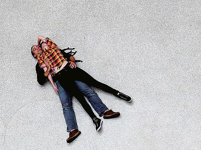 Tino Sehgal, The Kiss, 2002. MoMA, New York 2003