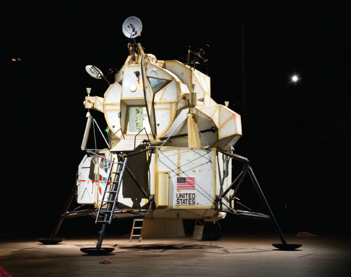 Landing Excursion Module (LEM), 2007. Steel, plywood, resin, electronics, and assorted found objects, 277 x 263 x 263 inches. Courtesy of the artist.