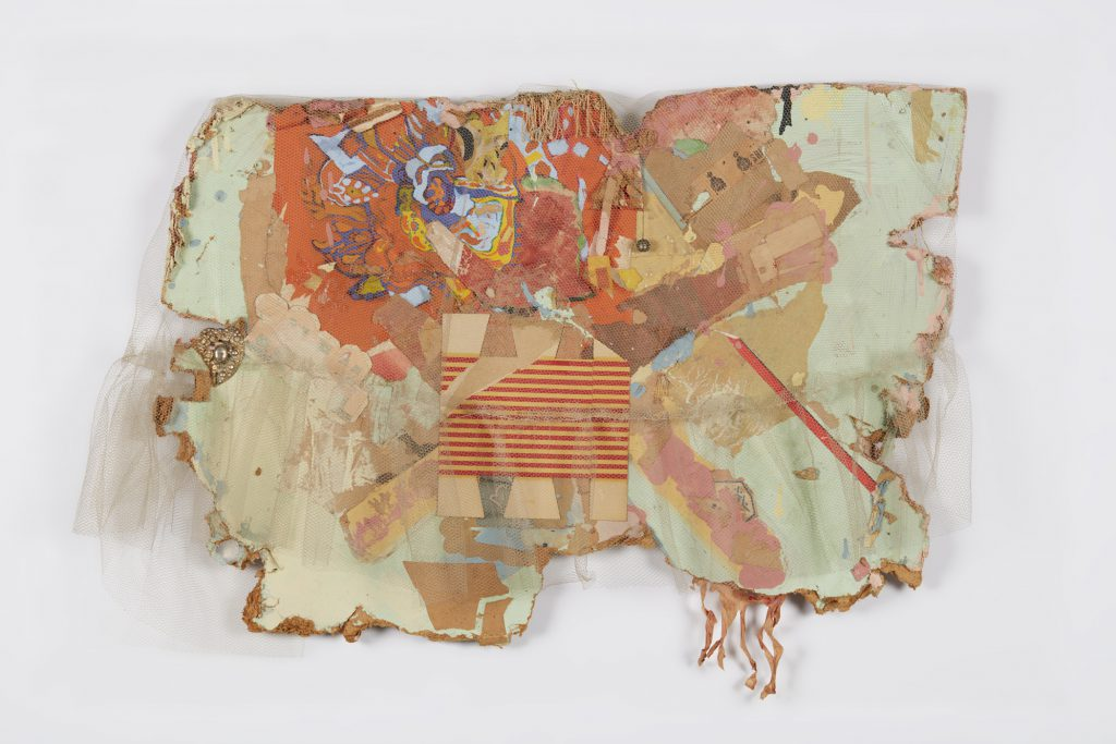 MEXICO COLLAGE, 1962; netting, paper, paint, ink stamps, fringe, bell, and costume jewelry on Masonite; 23 × 32 × 5 in. (58.4 × 81.3 × 12.7 cm); di Rosa Collection, Napa, California; © 2016 Conner Family Trust, San Francisco / Artists Rights Society (ARS), New York.